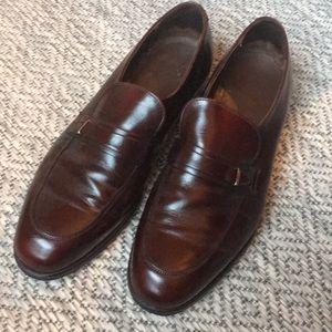 Minimalist men's loafers with new heel